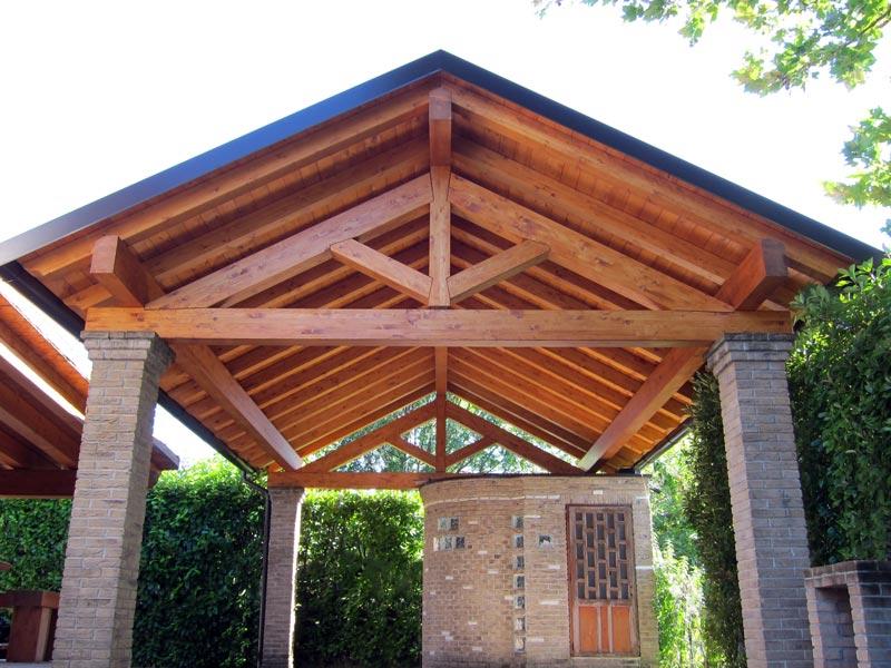 Tettoia in legno per camper for Costo per costruire pilastri di pietra