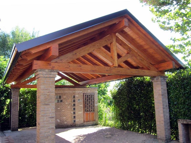 Tettoia in legno per camper for Capriate in ferro
