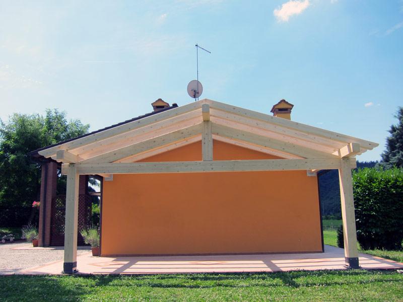 Tettoia in legno per camper for Particolari costruttivi capriata in legno